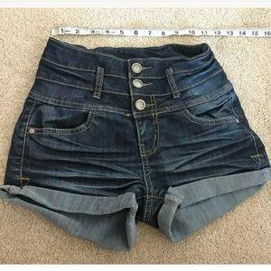 Hot Kiss CiCi blue cuffed jeans short size 2